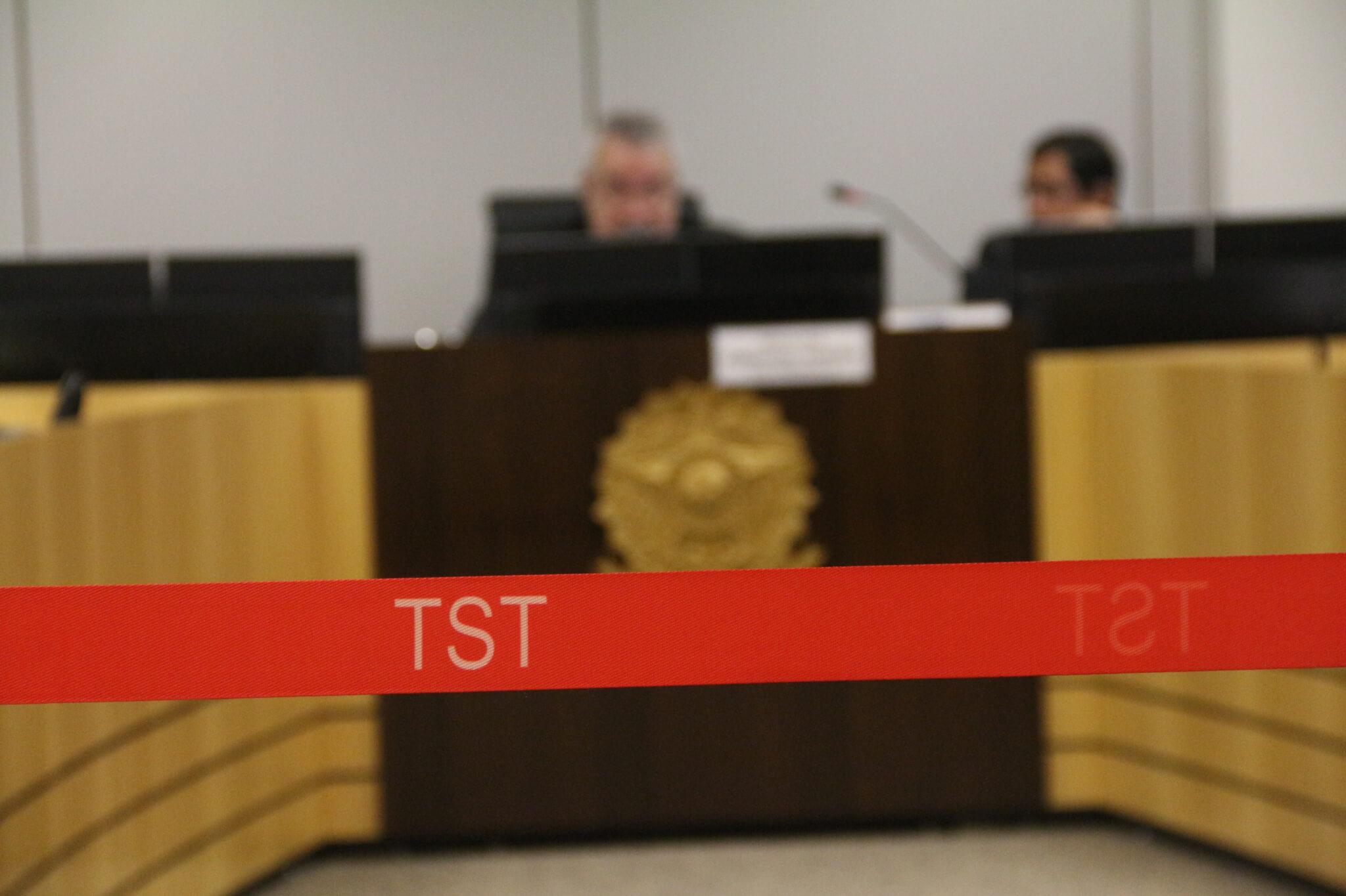 Sindicato Nacional dos Aeroviários convoca categoria para assembleias itinerantes nos dias 11 e 12 e sinaliza grande ato em alguns dos aeroportos de suas bases em 22 de de dezembro. Para as próximas rodadas de negociação, o Sindicato vai pedir mediação do TST (Tribunal Superior do Trabalho).