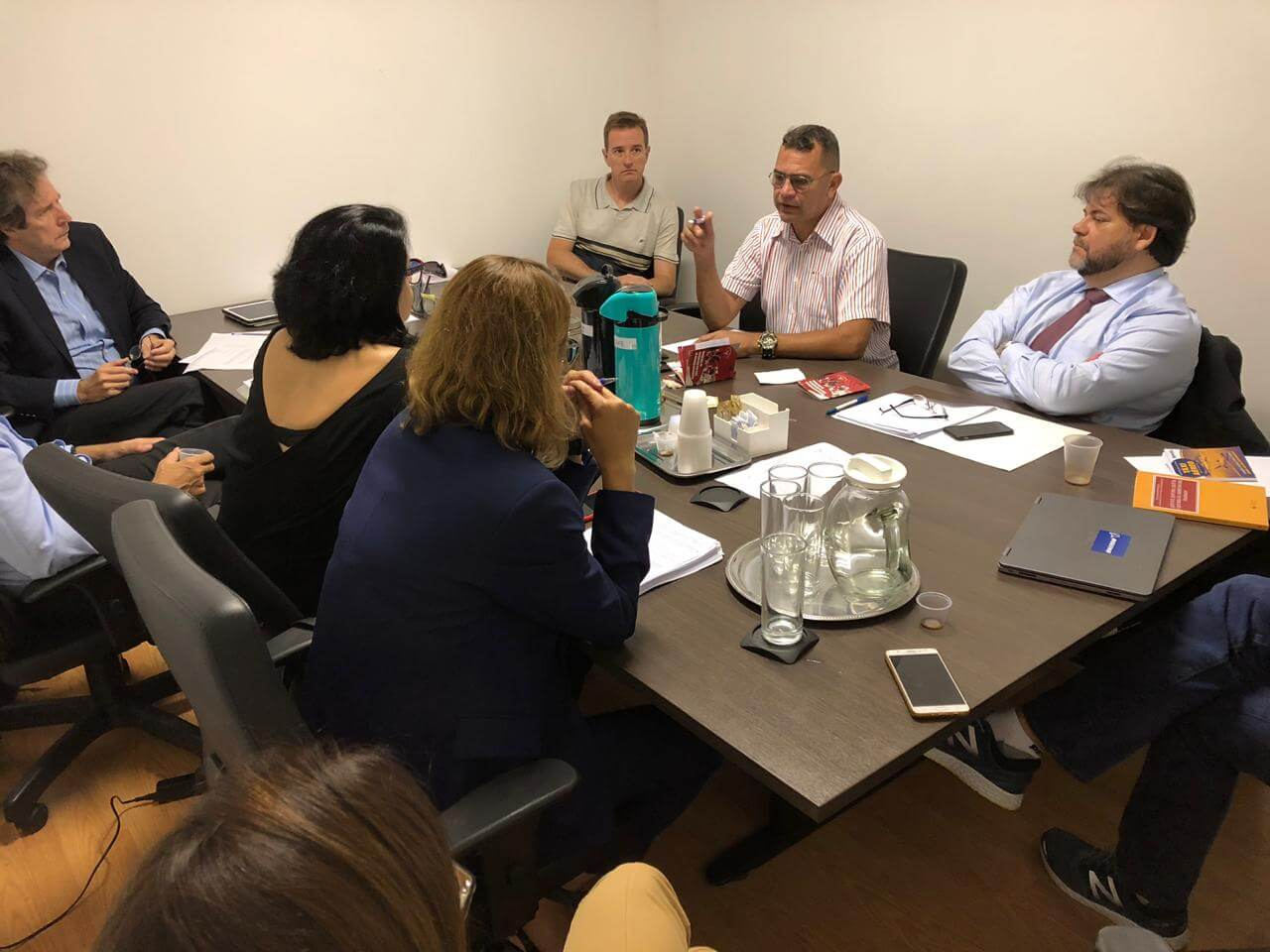 Empresas de Táxi Aéreo apresentam nova proposta de atualização da CCT, durante última rodada de negociação da Campanha Salarial 2018, realizada em 11 de dezembro. Apesar de pequenos avanços, dirigentes consideram que oferta de acordo continua ruim.
