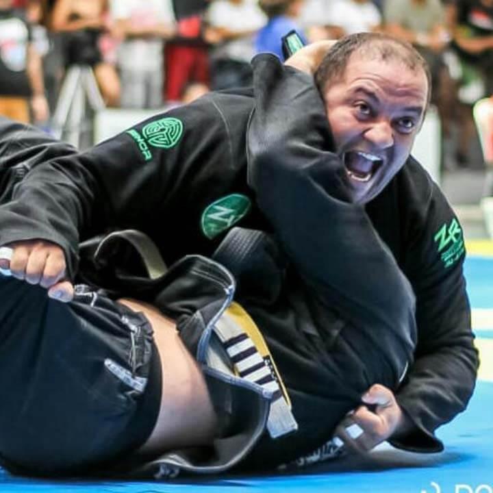 Adriano Menezes, dirigente do Sindicato Nacional dos Aeroviários em NATAL (RN), recebe apoio e patrocínio do SNA para participar de torneios de Jiu Jitsu. Em 2018, ele conquistou 1º lugar em sete campeonatos.
